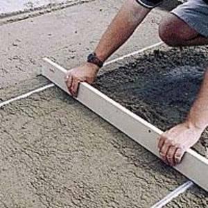 Цементно-песчаная стяжка пола.
