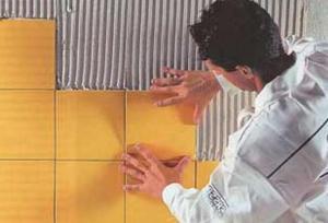 Как правильно выровнять стены и уложить керамическую плитку.