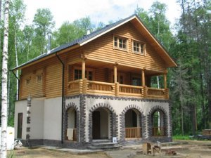 Какой дом строить: кирпичный, деревянный или каркасный