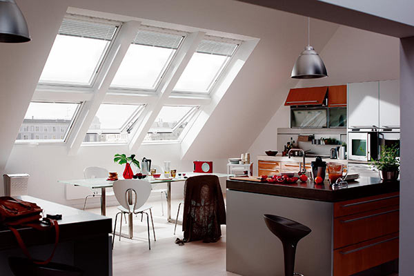 Кухня в мансарде - как устроить светлую кухню под сводами крыши